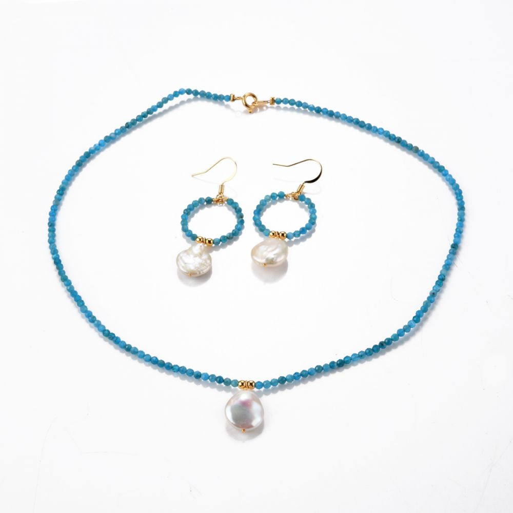Solitary pearl necklace-apatite