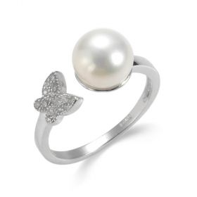 Rhinestone Butterfly Accented Freshwater Pearl Ring in Sterling Silver