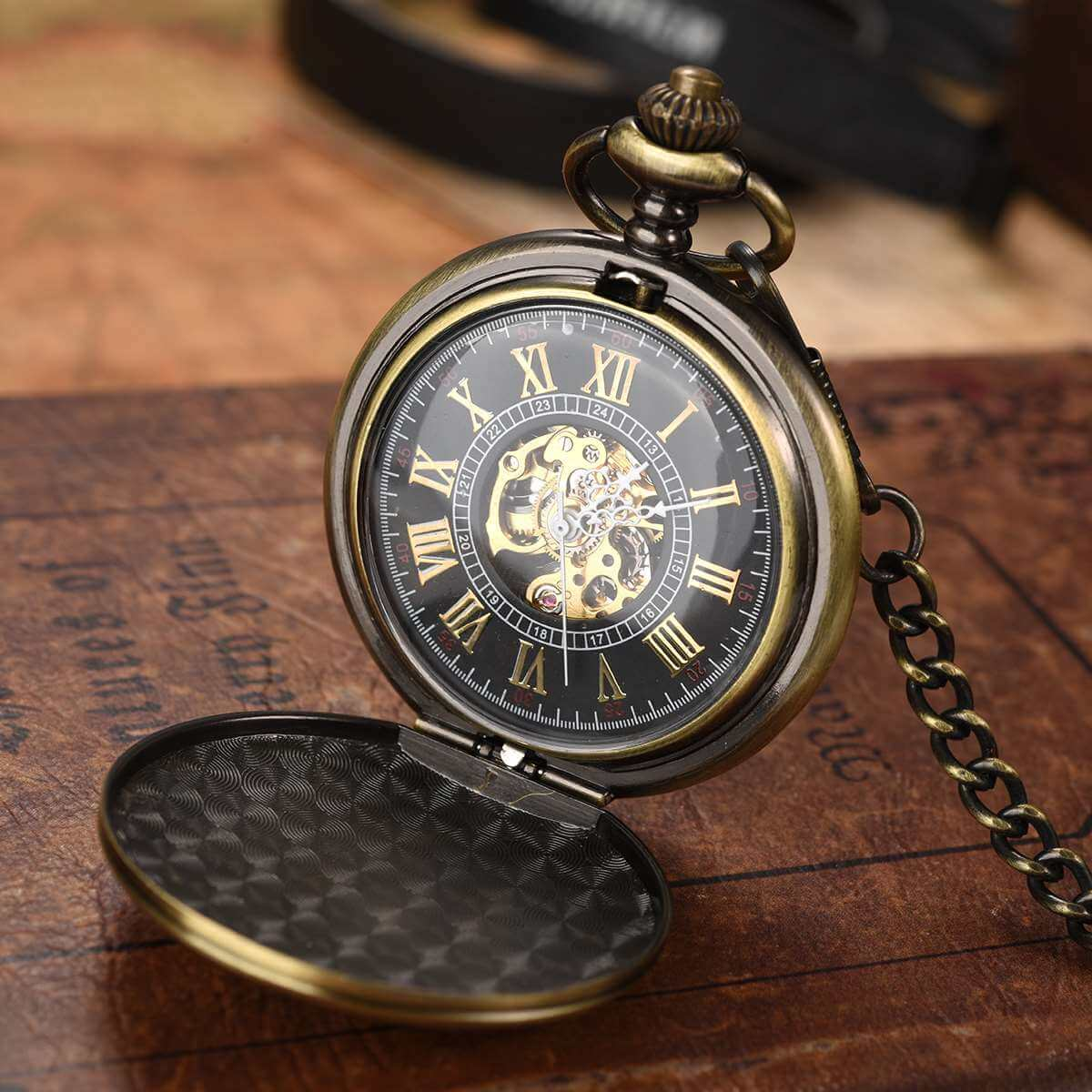 smooth surface antique engrave pocket watch